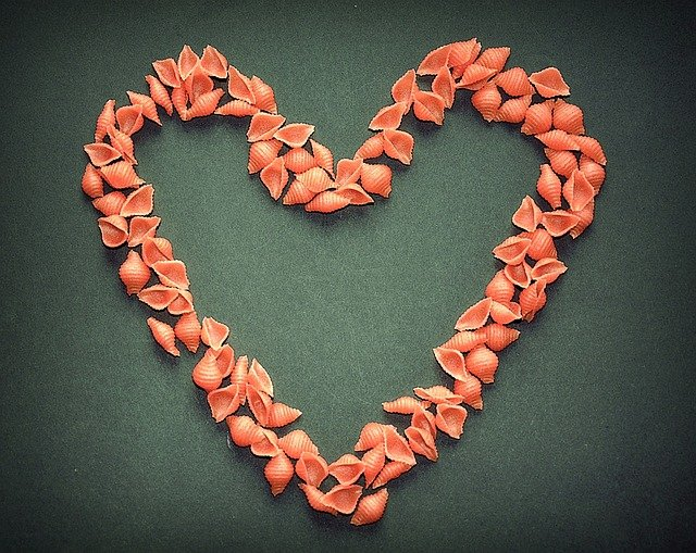 srdce z těstovin