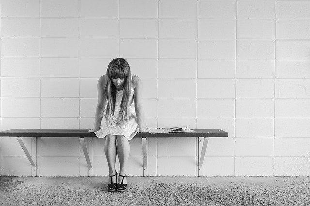 ustrašená dívka