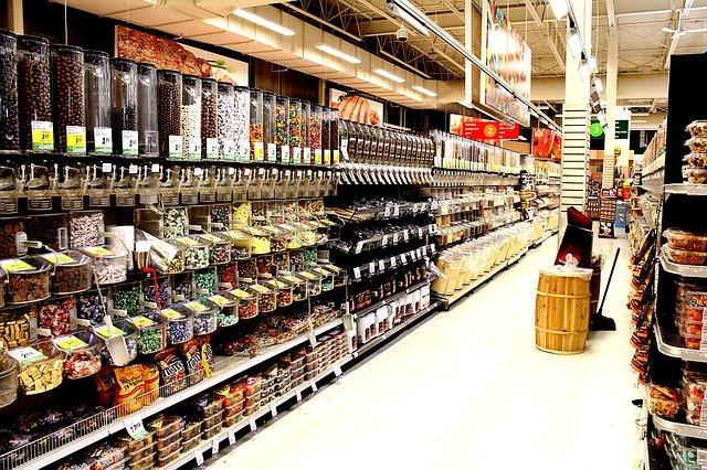 Na svátek sedmnáctého listopadu si můžete jít nakoupit do jakéhokoli supermarketu