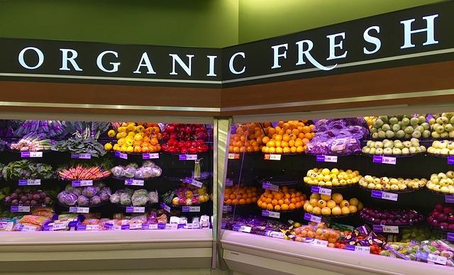 ovoce a zelenina v prodejně