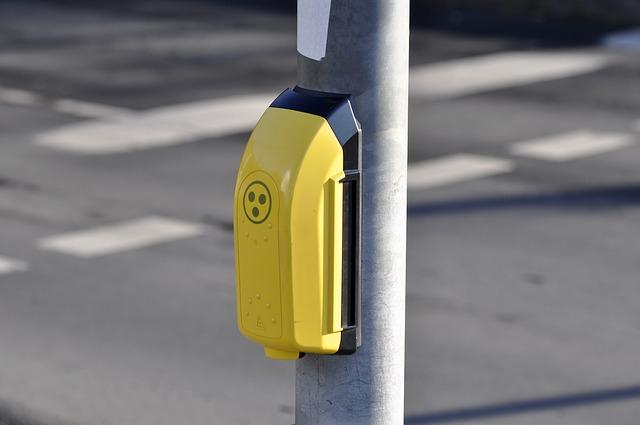 tlačítko u přechodu pro chodce