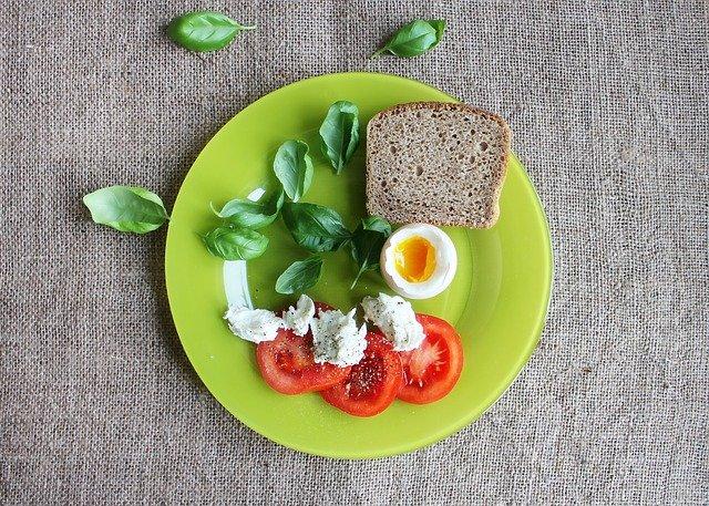 rajčata s vejcem