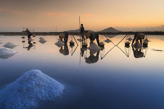 hromádky soli