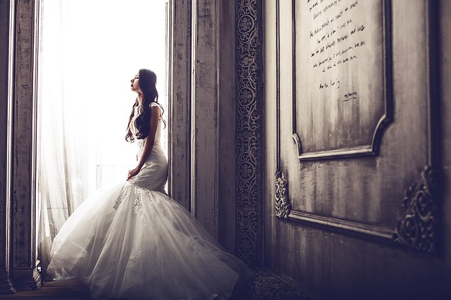 nevěsta u okna