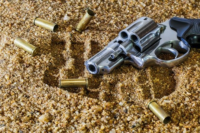 """Některé zbraně jsou """"pod zákonem"""""""