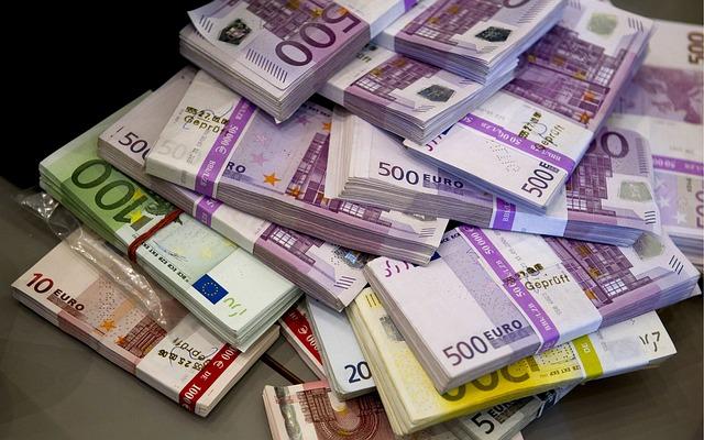 hodně peněz