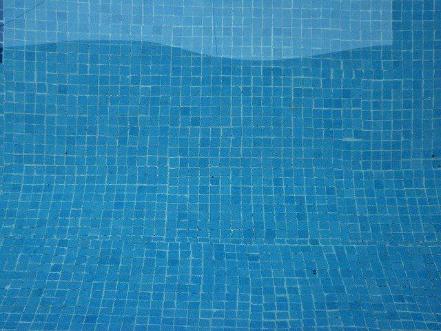 dno bazénu