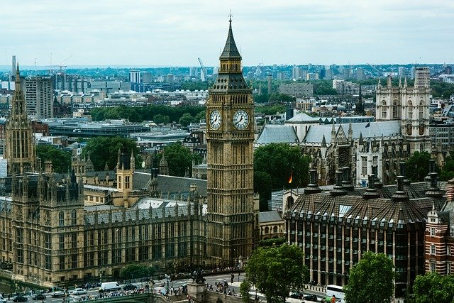 Big Ben nebo Alžbětina věž?