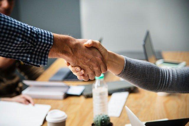 podaná pomocná ruka – dohoda