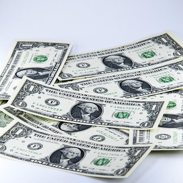 hrst dolarů