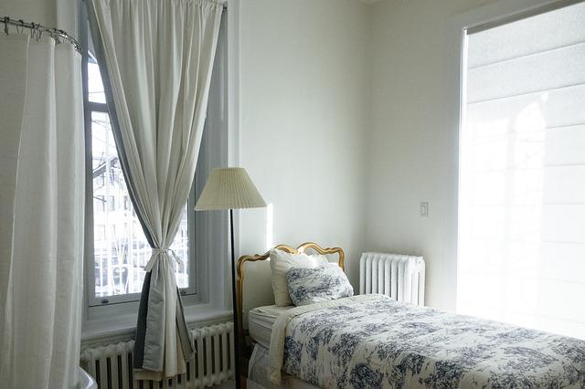 čalounění na posteli