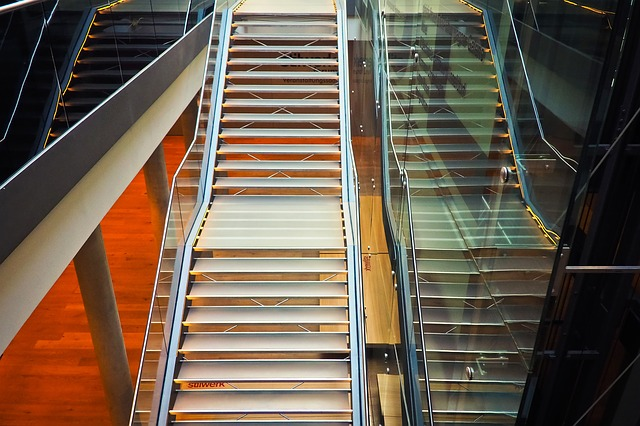 Skleněné schody bez podpor.jpg